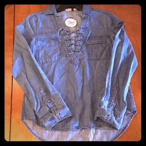 🎁🎄NWT SO DENIM JEAN LACE-UP BLOUSE TOP Size XS